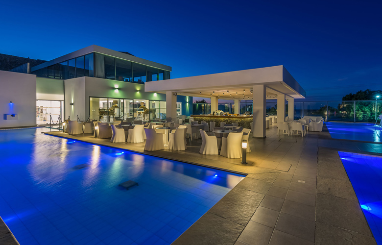 Radiant pool bar